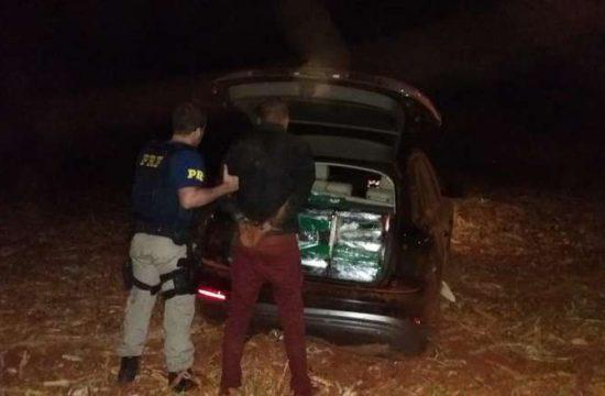 Jovem é preso com 390kg de maconha